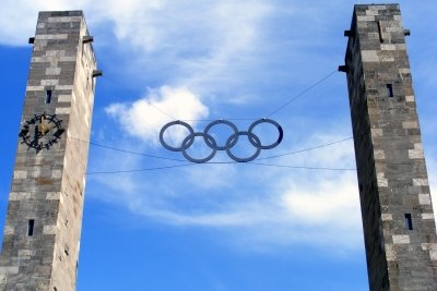 Die Olympischen Ringe stehen für die Einigkeit aller Länder.