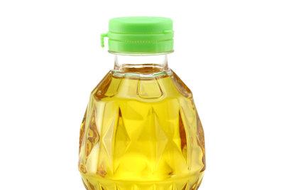 Öle kann man in der Pfanne erhitzen.