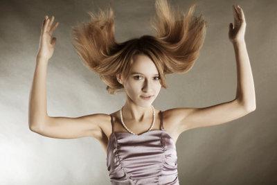 Lange Haare lassen sich prima hochstecken.