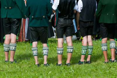 """""""Mia san mia"""" - traditionelle Kleidung in Bayern"""