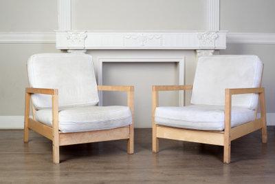 Einen Stuhl neu polstern