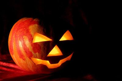 Mutproben an Halloween machen Spaß.