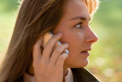 Als Arbeitsloser sollten Sie den Handyvertrag sorgfältig auswählen.