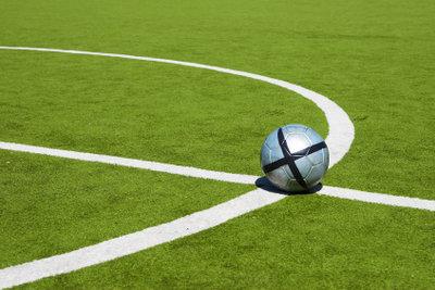 Ein Fußballfeld hat eine festgelegte Größe.