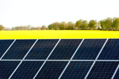 Strom aus Solarzellen nutzen.