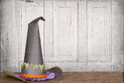 Dekorieren Sie für die Halloweenparty mit Kindern!