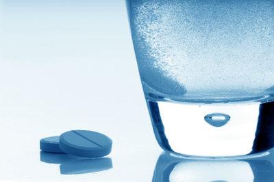 Sogar mit Aspirin können Sie entkalken.