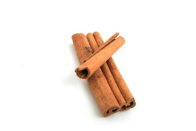 Auch Zimt verleiht spanischen Rezepten Aroma.