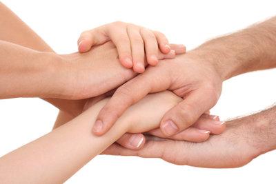 Gegen trockene Hände gibt es Hausmittel.