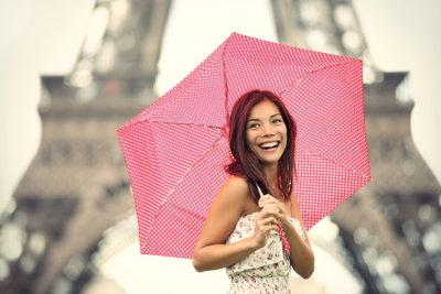Auch bei Regenwetter kann man sich Paris anschauen.