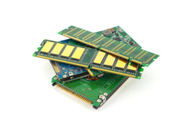 In der Regel löschen sich RAMs nach jedem Bootvorgang von selbst.