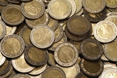 Münzen werden oft zu Geldrollen gerollt.