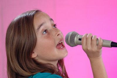 Mit einem Pickel auf der Zunge fällt das Singen schwer.