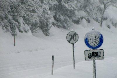 Brauch ich Schneeketten, wenn ich im Winter in die Berge fahre?