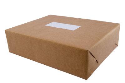 Packen Sie ein Paket gut ein.