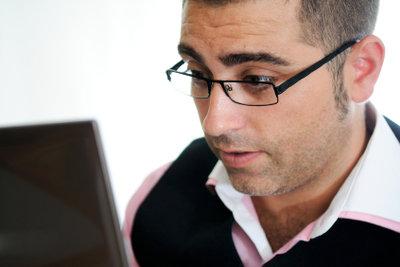 Informatiker beschäftigen sich mit elektronischer Datenverarbeitung.