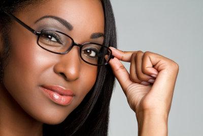 Mit asphärischen Gläsern wird die Brille dünner und leichter.