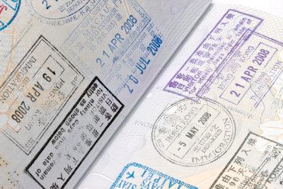 Ein Reisepass ersetzt den Personalausweis.