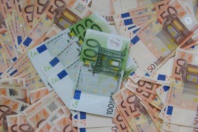 Verschiedene Banknoten der Eurowährung.