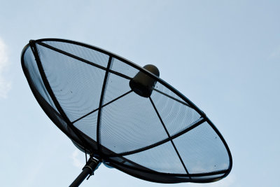 Bei Satellitenschüsseln kommt es auch auf die Größe an.