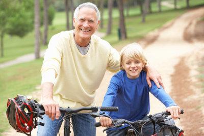 Bewältigen Sie kurze Strecken per Rad.