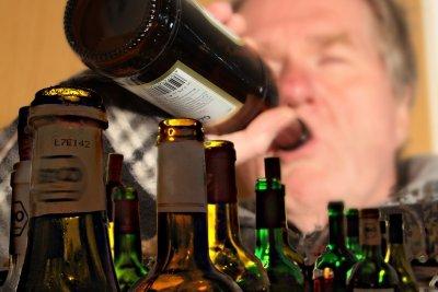 Nicht selten führt übermäßiger Alkoholkonsum zu einem bösen Erwachen.
