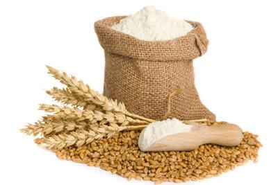 Weizenkleber entsteht aus Getreidemehl.