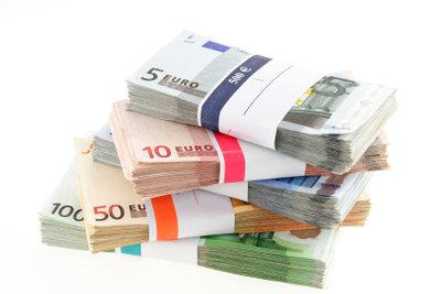 Geld von der Bank gibt es nur bei Einkommen, Vermögen oder Bürgen.