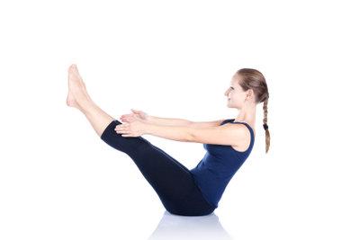 Yogahaltungen für den Bauch bedürfen gründlicher Vorbereitung.