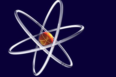 Ionen entstehen, wenn Atome Elektronen abgeben oder aufnehmen