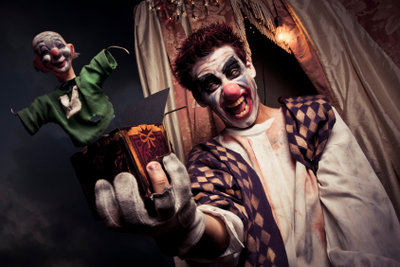 Ein Horror-Clown-Kostüm können Sie selber herstellen.