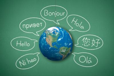 Bei Age of Mythology kann man die Sprache wechseln.