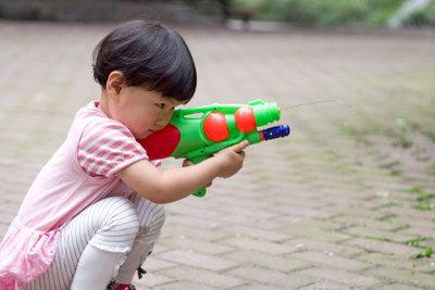 Gute Wasserpistolen funktionieren zuverlässig für den jeweiligen Zweck.