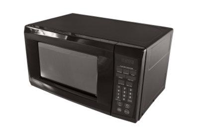 Eine Mikrowelle eignet sich nicht für die Zubereitung aller Speisen.