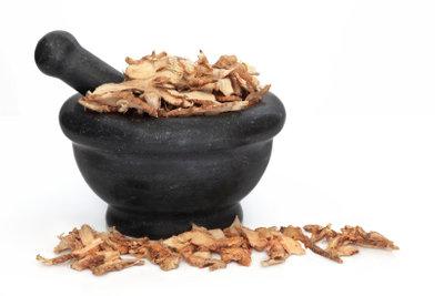 Lakritz betsteht aus Extrakten der Süßholzwurzel.