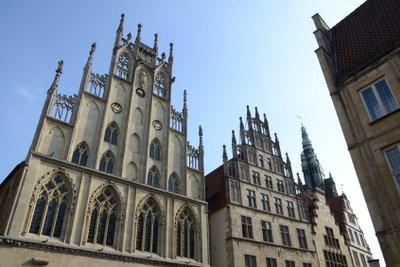 Die Stadt Münster hat viel alte Architektur zu bieten, wie hier das Rathaus.