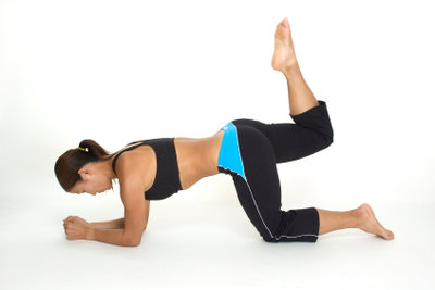 Unterschiedliche Übungen trainieren die Oberschenkel optimal.