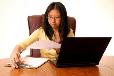 Für die Bewerbung werden auch von einem Ausländer übliche Bewerbungsunterlagen gefordert.
