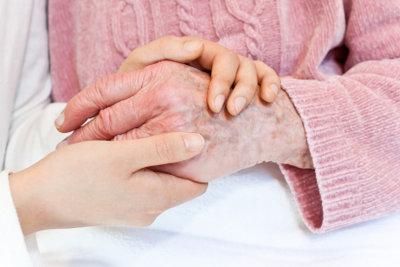 Nicht jeder ältere Mensch wird eigenwillig.