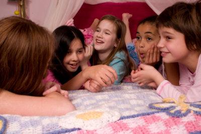 Kinder lieben Pyjama-Partys.