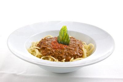 Auch bei Spaghetti Bolognese können Sie Kalorien einsparen.