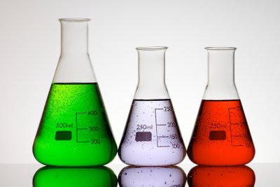 Säuren sind wichtige Reagenzen in der Chemie.