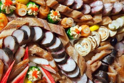 Die Vielfalt eines Partybuffets macht Appetit.