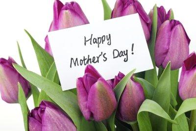 Ein Blumengruß gehört zum Muttertag dazu.