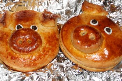 Glücksschweinchen gehören zu Silvester.