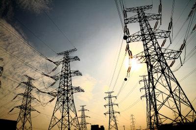 Elektrische Energie verlustarm übertragen.