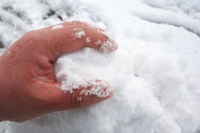 Finger werden bei starker Kälte rot.