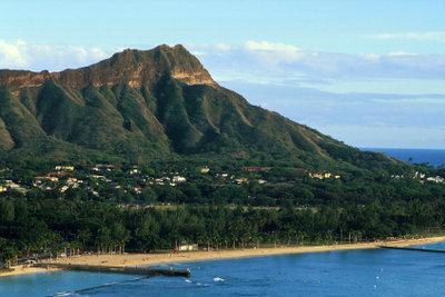 Blick auf den berühmten Strand von Waikiki.