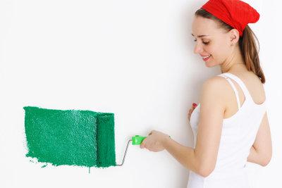 Abwaschbare Farbe ist in vielen Tönungen erhältlich.