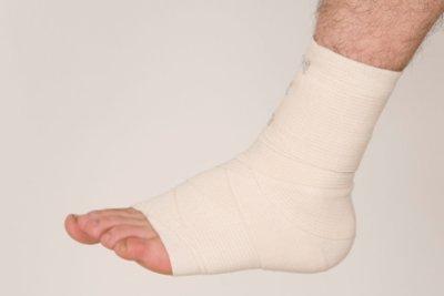 Ein verknackster Fuß verursacht Schmerzen.